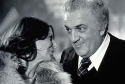 Il regista Federico Fellini e l'attrice Noel Magali