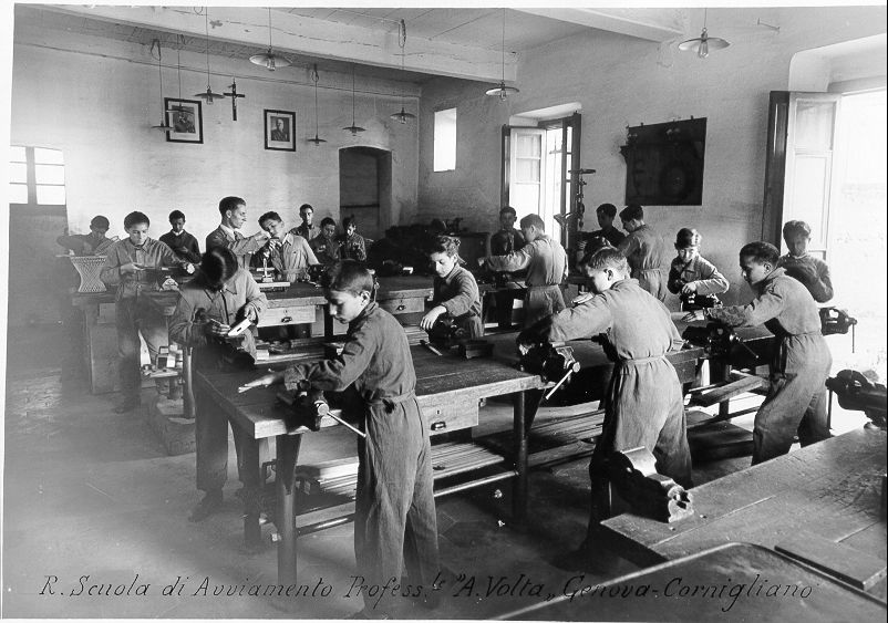 aula laboratorio di meccanica; foto storica