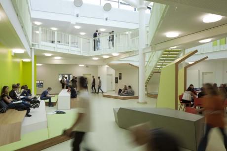 atrio scuola Heinrich Nordhoff High School
