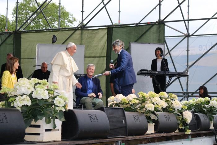 Indire e il Papa