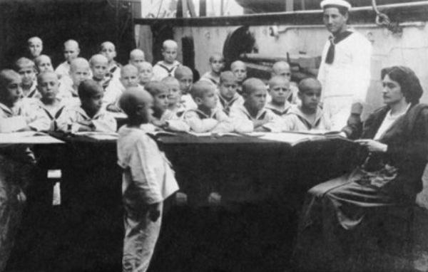 "Un esperimento educativo straordinario: la Nave Asilo ""Caracciolo"" a Napoli (1913-1928)"