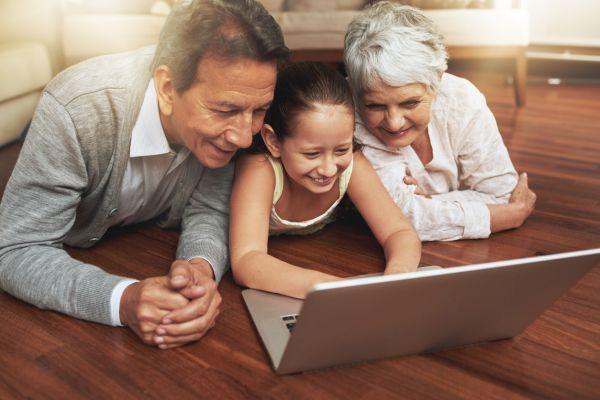 A marzo il focus di EPALE è sull'apprendimento digitale per gli adulti