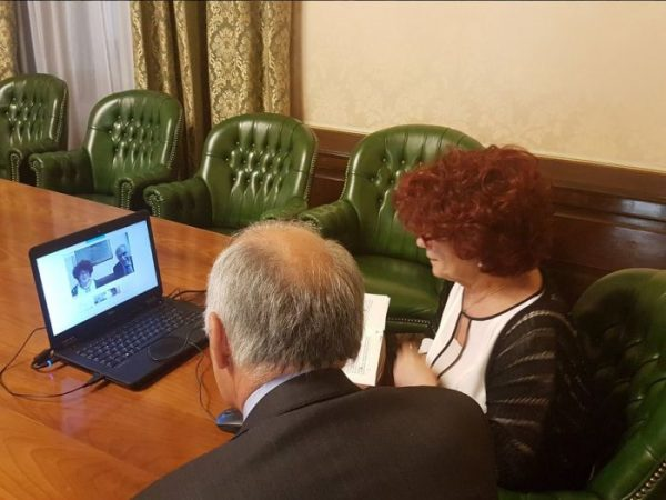 Avanguardie Educative, la Ministra Fedeli incontra in chat 500 docenti e dirigenti