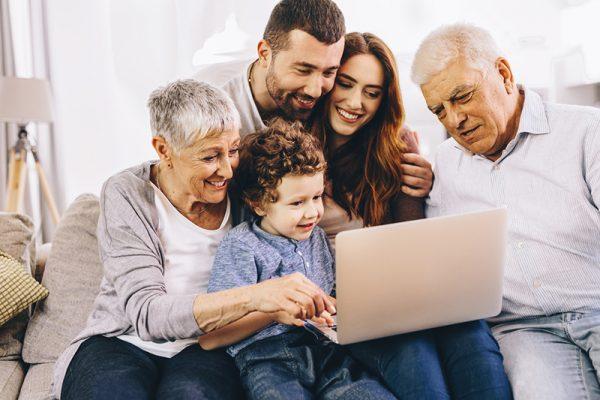 Il focus EPALE di ottobre è sull'apprendimento intergenerazionale