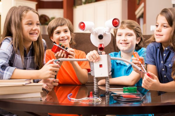 Due sistemi modulari per la robotica educativa: SAM e littleBits