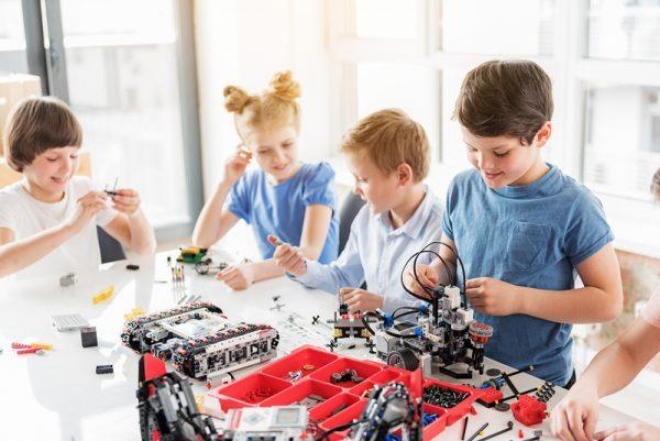 In arrivo nuove opportunità per i docenti dalla ricerca Indire su Robotica Educativa e Coding