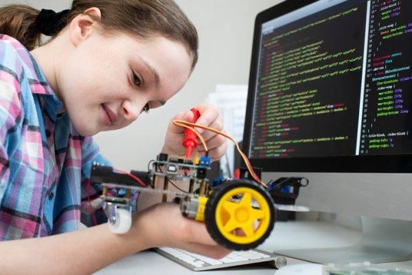 Attiva la call for paper sul tema Interazione Bambini-Robot