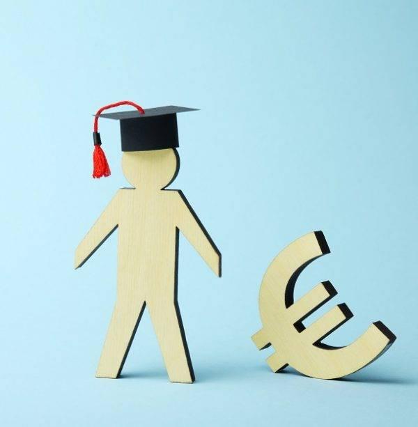 Università, studio di Eurydice su tasse e borse di studio in UE
