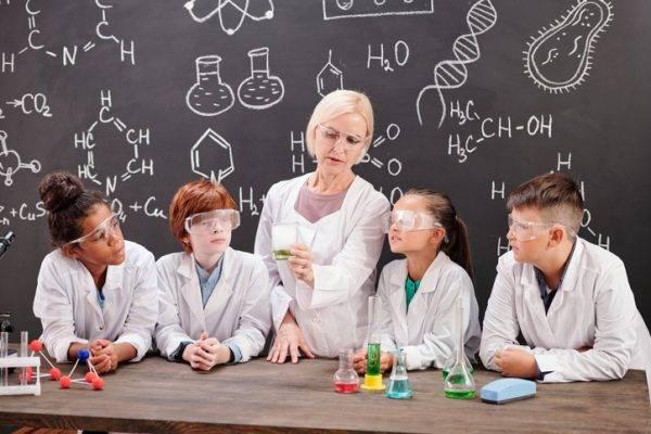 Il progetto STE(A)M IT lancia nuove linee guida per promuovere le carriere scientifiche in classe